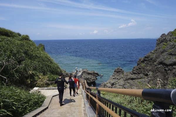 真栄田岬 階段