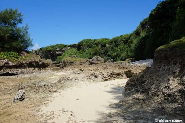 恩納村の無人島