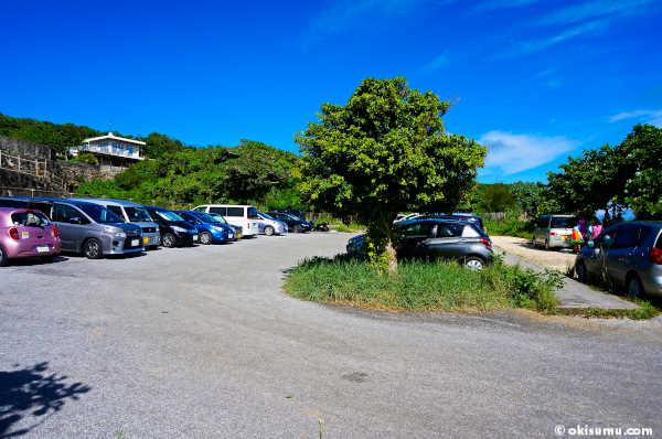 大度海岸の駐車場