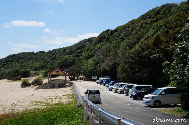 具志頭浜の駐車場